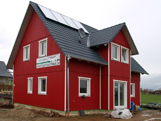 familie ackermann haustyp fuges mit schwedenhausfassade realisiert. Black Bedroom Furniture Sets. Home Design Ideas